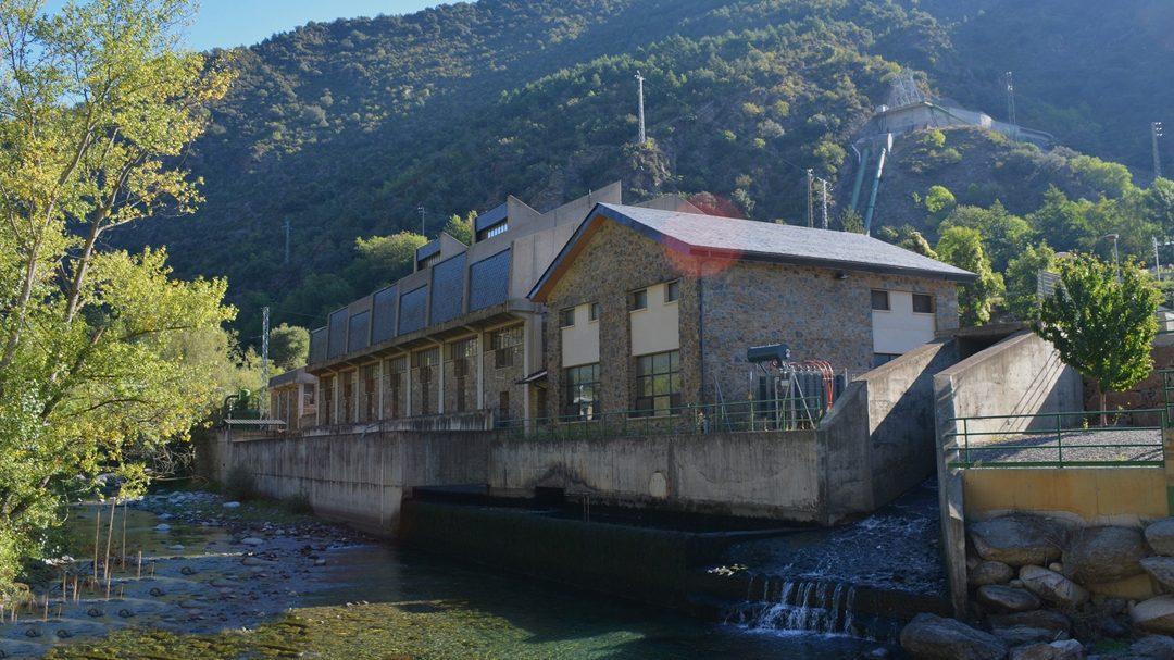 Vols saber com generem electricitat des de fa gairebé 100 anys a partir del riu Valira?