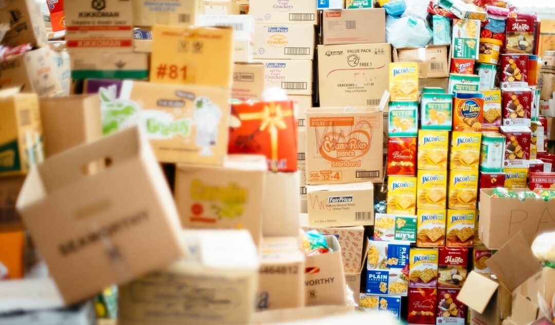 Aportem 4.000 Kg de productes de primera necessitat al Banc dels Aliments, per ajudar a mitigar la situació d'alarma